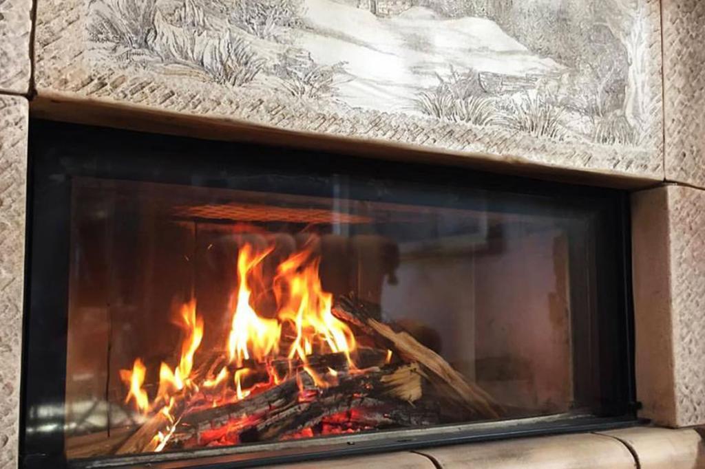 monoblocco-fuoco-a-vista maiolica-stufe-collizzolli