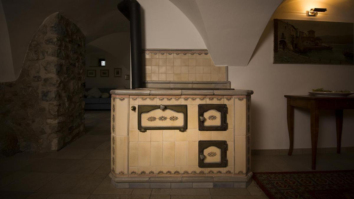 Handmade Masonry Kitchens