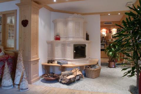 Stufe Collizzolli modello Dolomia, stufe in ceramica trentino alto adige